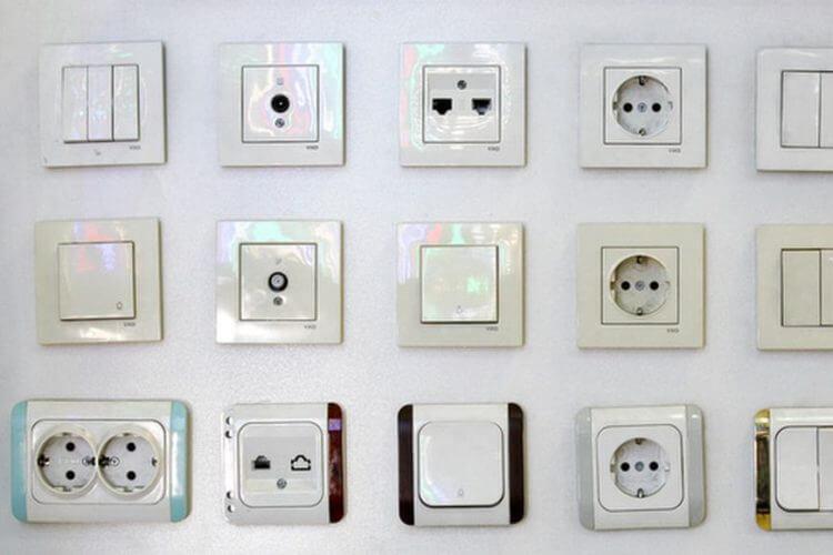 Электрические выключатели и розетки