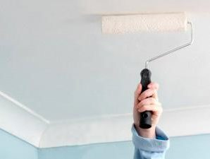 Как удалить пятна на потолке? Процесс работы.