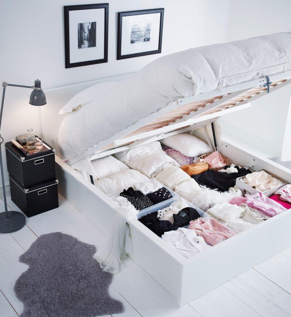 Дополнительные секции в кровати для хранение вещей
