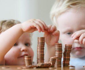 В России увеличат выплаты по детским пособиям.