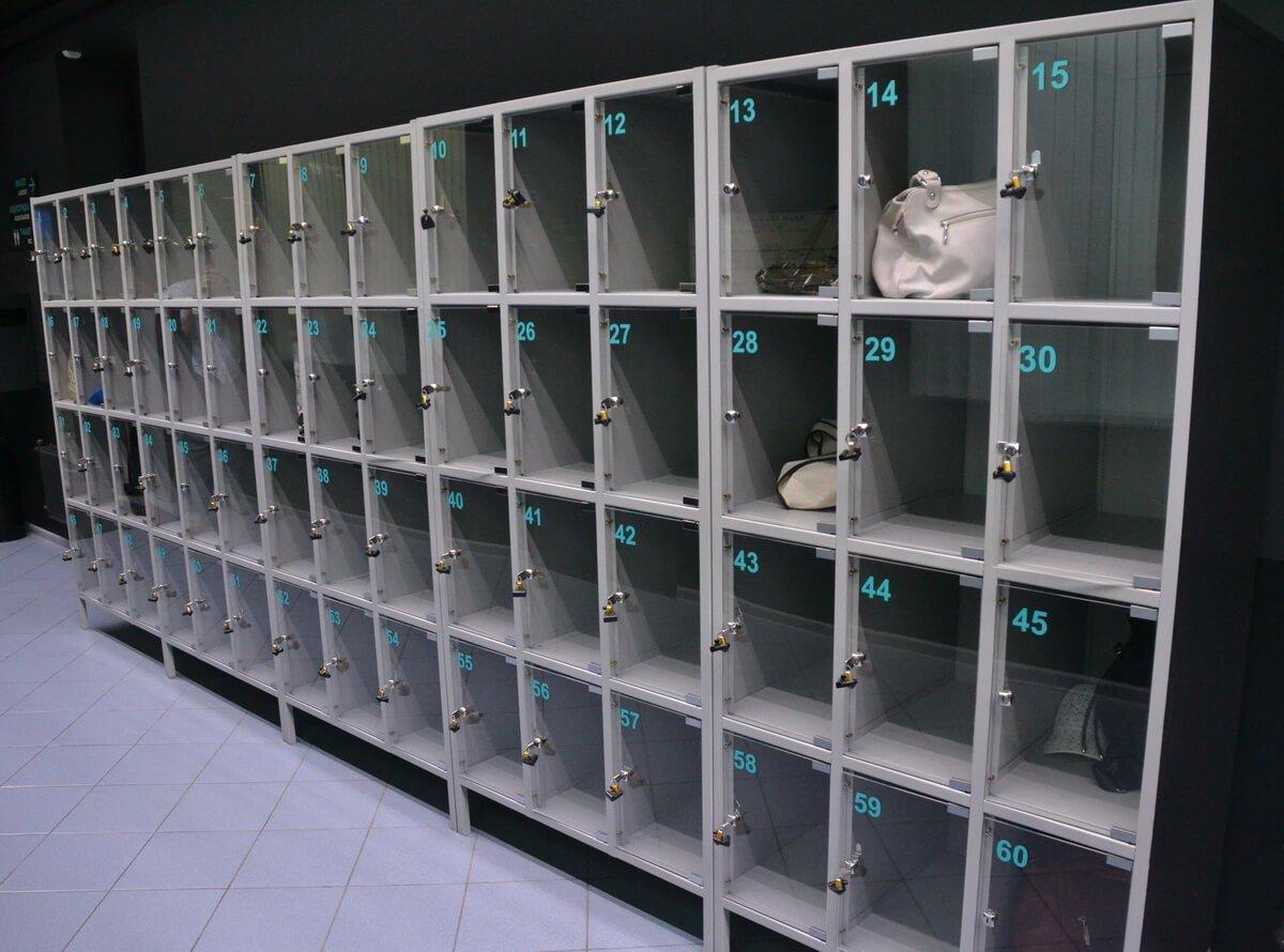 Камеры хранения личных вещей в магазине