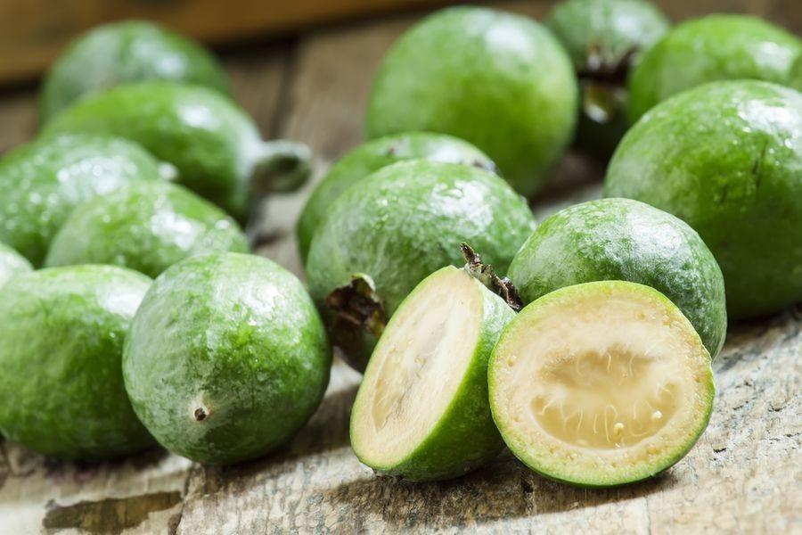 Зеленый фрукт фейхоа польза и вред
