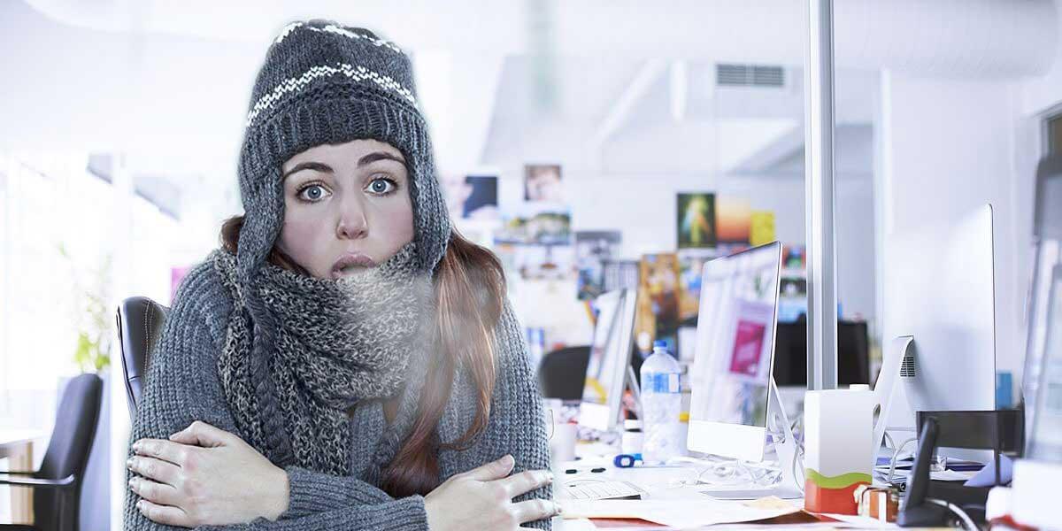 Почему некоторые люди постоянно замерзают, даже если на улице жара