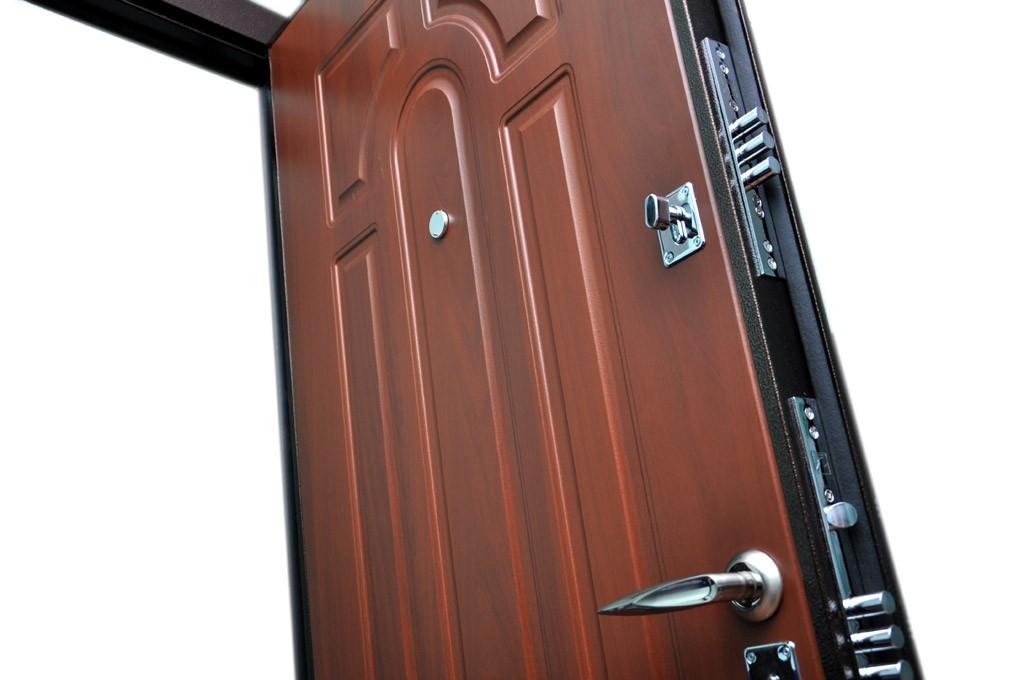 Двухслойные стальные двери