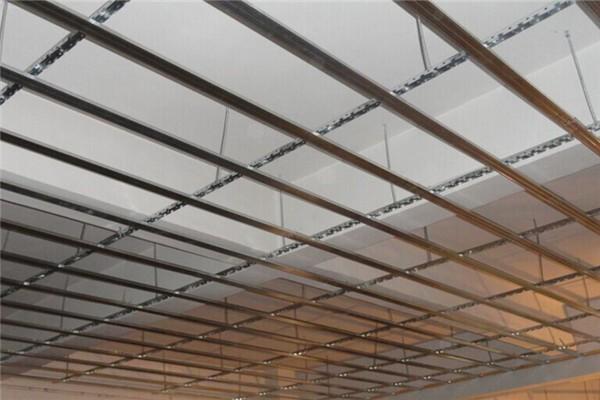 Обрешетка потолка под панели