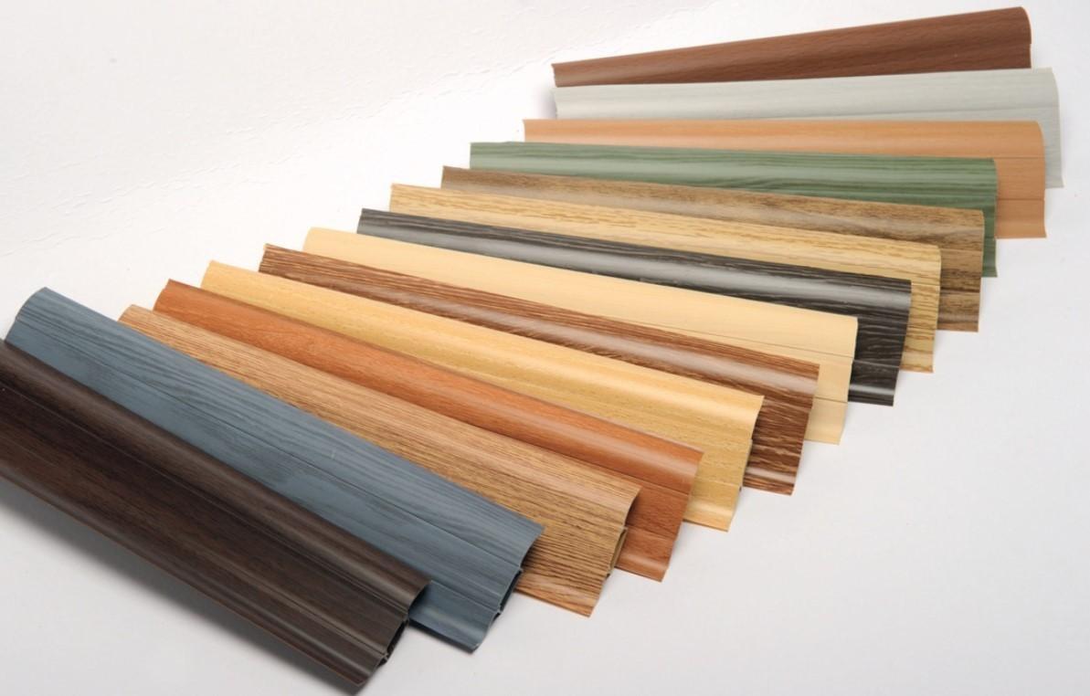 Пластиковые плинтуса разных цветов