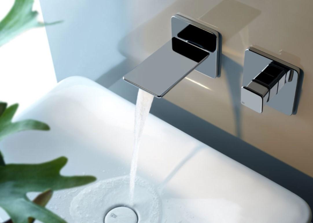 Смеситель для умывальника в ванной комнате