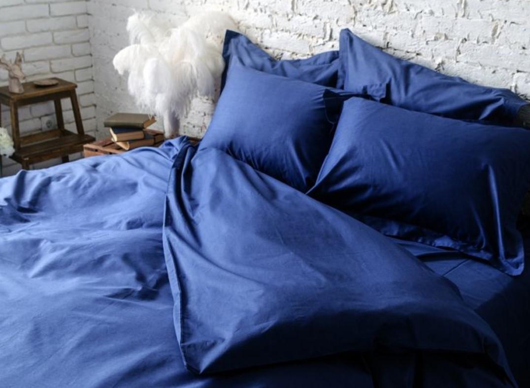 сатиновой постели