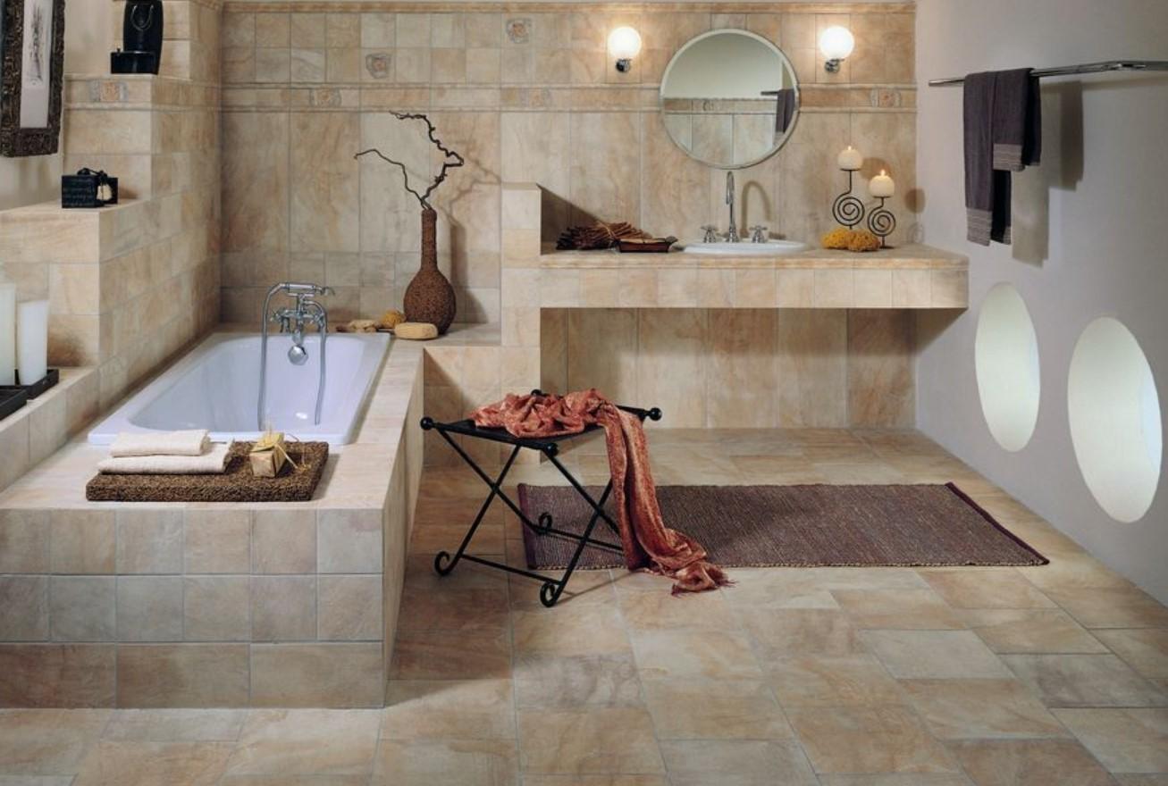 Ванна из керамики в ванной комнате