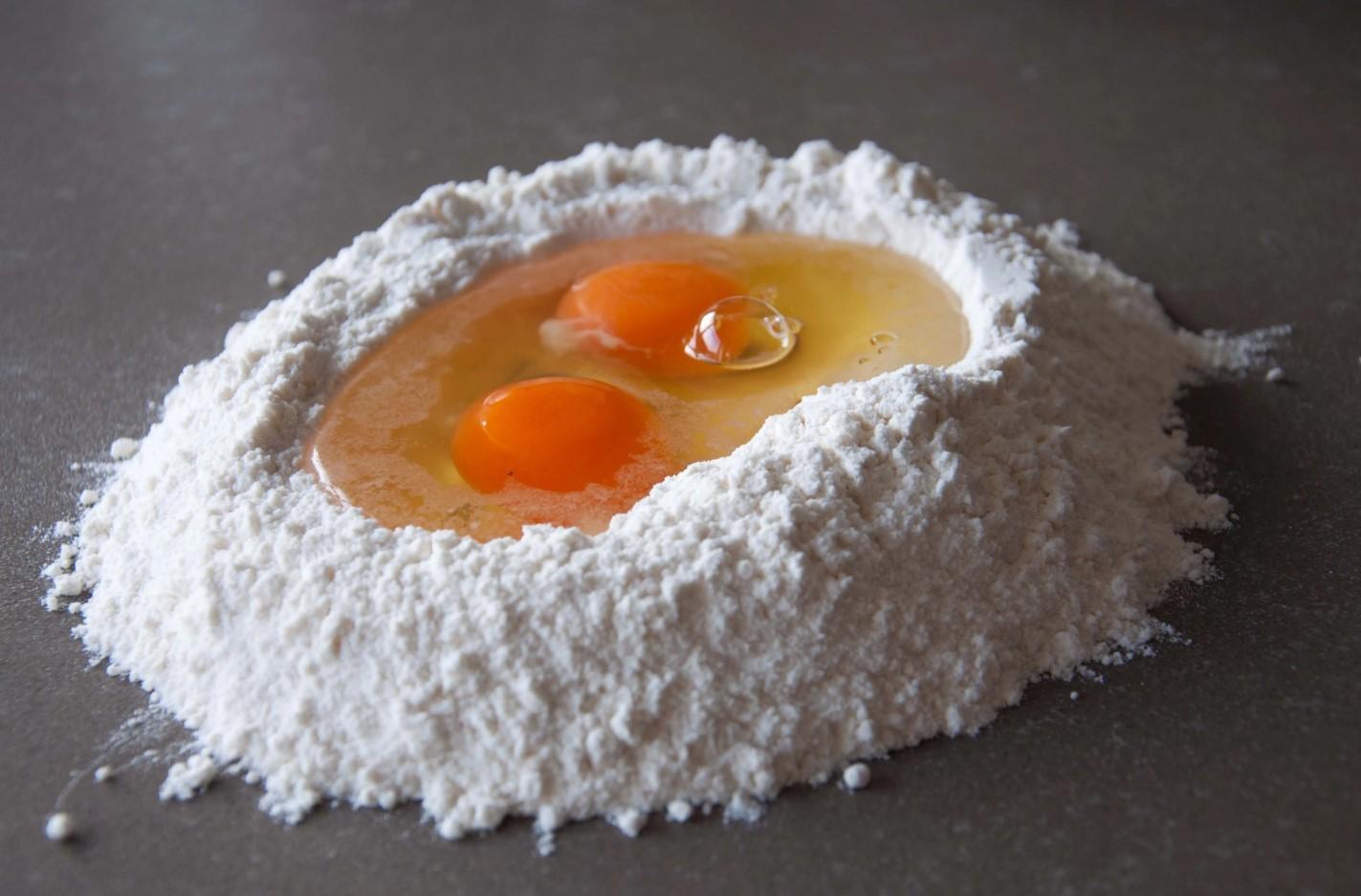 Яйца в выпечке